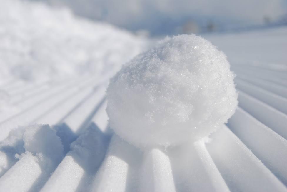 Dos niños reciben disparos por lanzar bolas de nieve a los coches en Estados Unidos