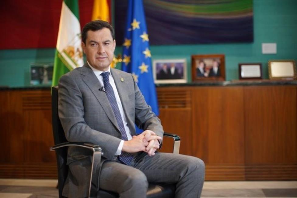 Juanma Moreno pide a Sánchez más medidas para que la lucha contra el virus sea eficaz