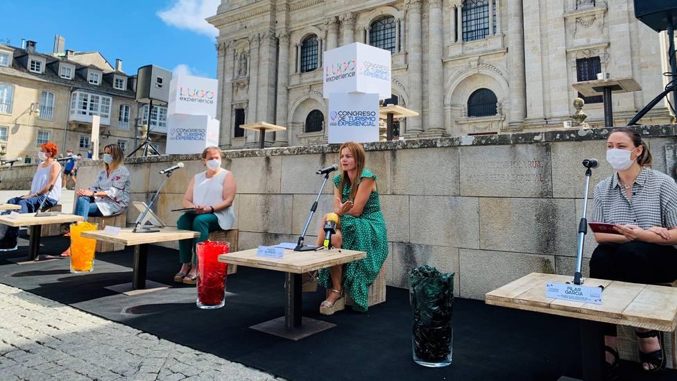 Presentación del I Congreso Nacional de Turismo Experiencial, al lado de la Catedral de Lugo