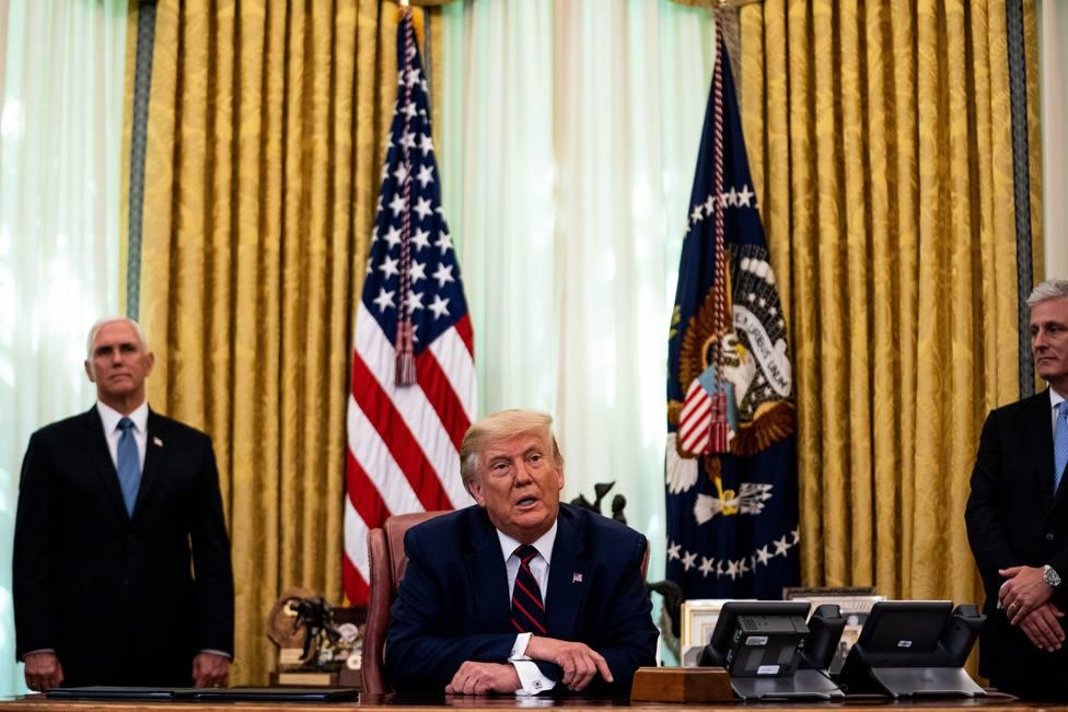 Serbia y Kosovo normalizan sus relaciones económicas por mediación de Trump