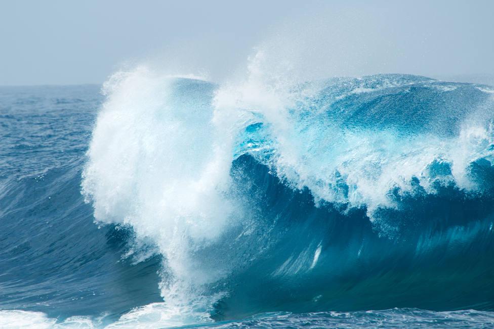 Los fuertes vientos y los fenómenos costeros ponen en alerta 10 comunidades