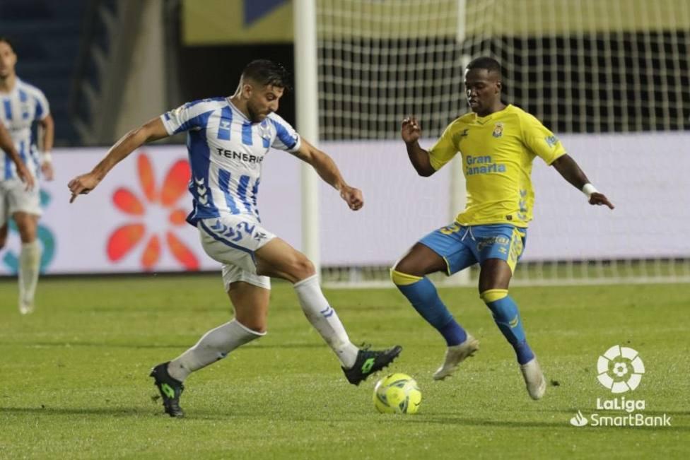 La U.D. Las Palmas se lleva el derbi por 1-0 tras un inexplicable error del  portero blanquiazul Ortolá - Deportes COPE Tenerife - COPE