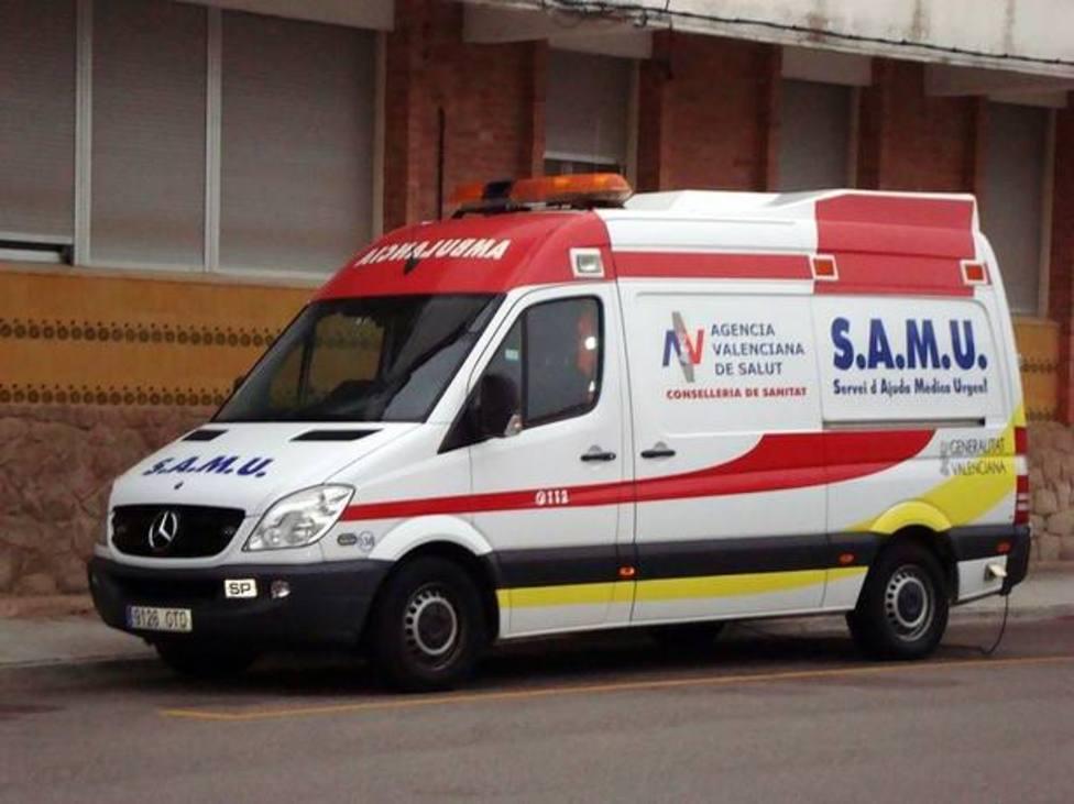 El herido ha sido trasladado en ambulancia al Hospital General
