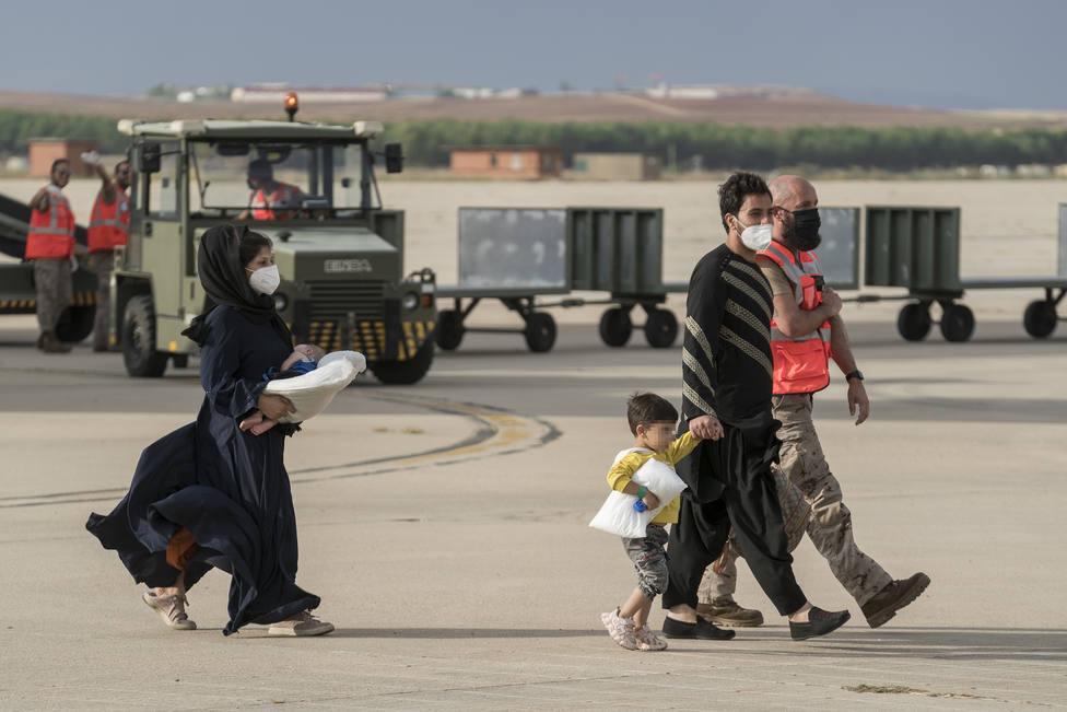 El Rey visita este sábado el centro de acogida de afganos de Torrejón tras concluir las labores de evacuación