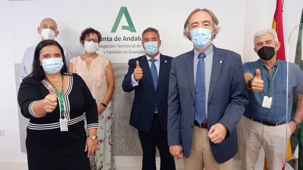 Granada.- El Hospital Virgen de las Nieves renueva la colaboración con la Asociación Española Contra el Cáncer
