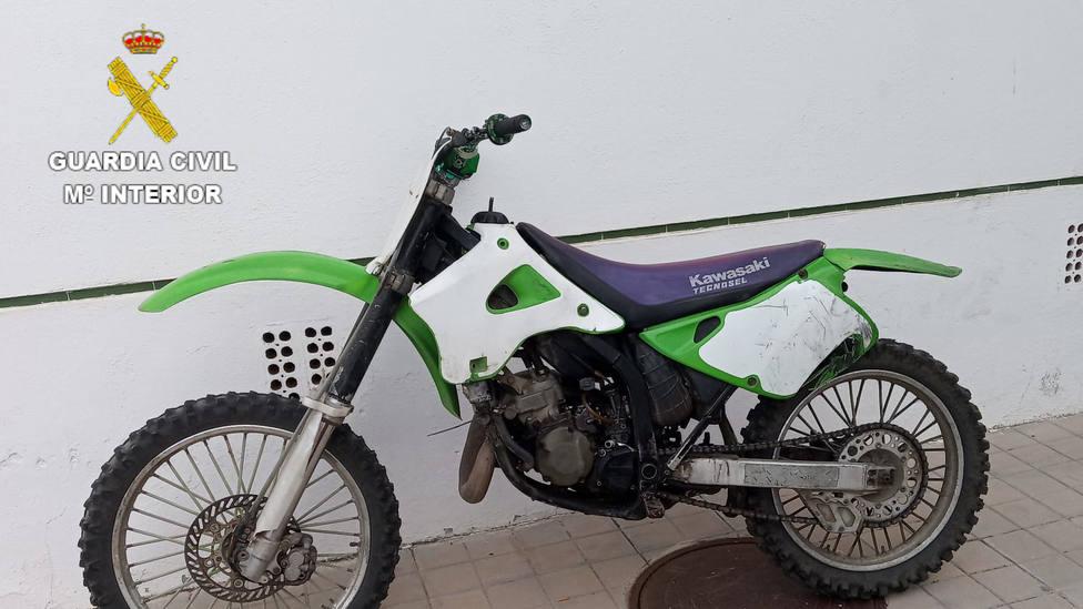 La Guardia Civil recupera dos motocicletas robadas de un garaje de Almuñécar