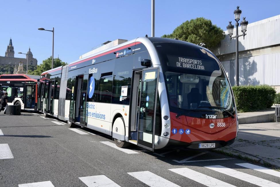 TMB encarga 210 autobuses eléctricos e híbridos para renovar y descarbonizar la flota.