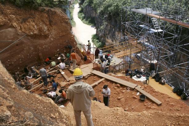 Un estudio sugiere que el depósito de huesos de Atapuerca podría no estar relacionado con ritos funerarios