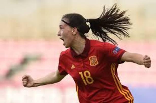 El gol de Eva Navarro en la final del Europeo sub'17 elegido como el tercer mejor tanto de la temporada