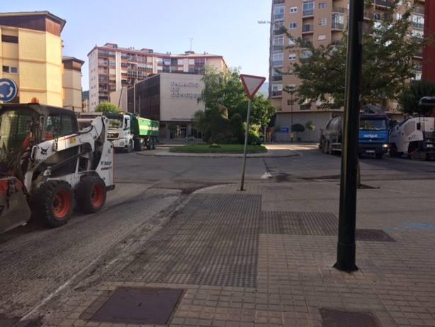 Trabajos de asfaltado en Jaca