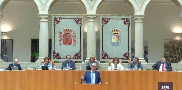El portavoz del Grupo Parlamentario del PP de La Rioja, Jesús Ángel Garrido