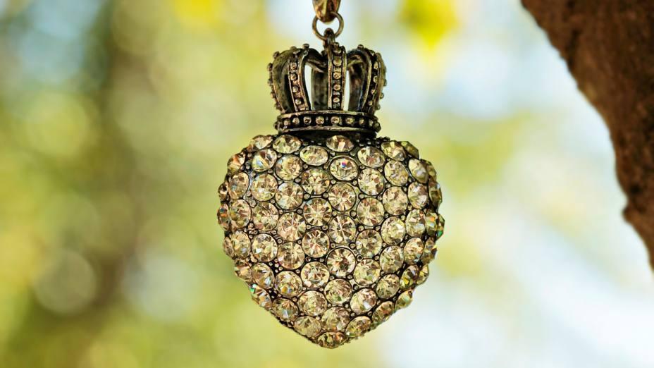 La castellana que llegó a reina con corazón de santa