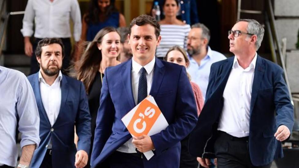 Albert Rivera, acompañado por la Ejecutiva del Ciudadanos