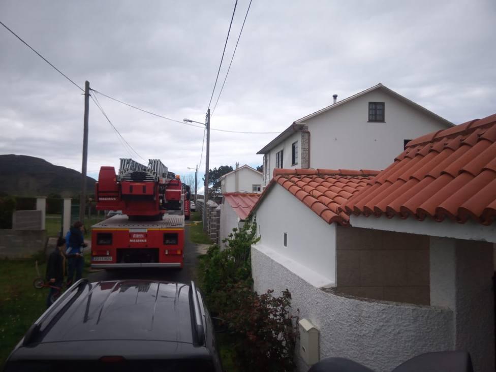 Foto de archivo de una intervención de los Bomberos de Ferrol y del GES de Mugardos - FOTO: GES Mugardos