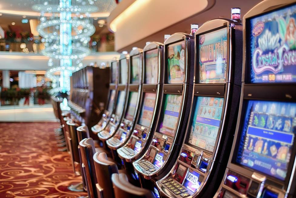 Desciende el número de las tragaperras en los bares, mientras aumentan las ubicadas en salones de juego y bingos