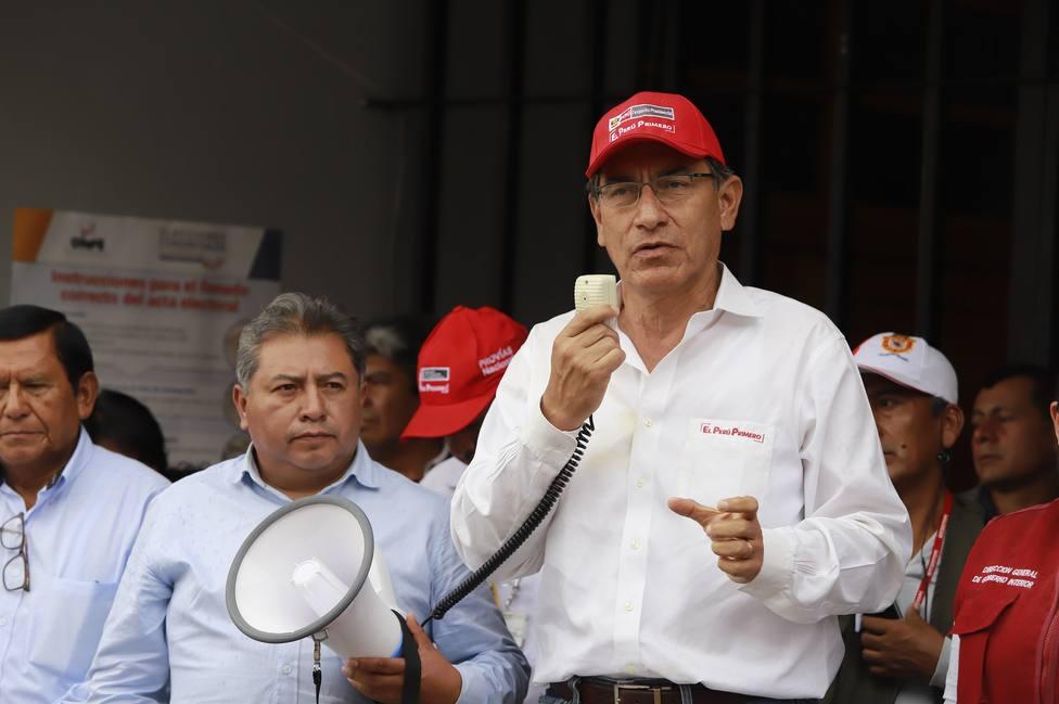 El presidente de Perú acepta las dimisiones de tres ministros en mitad de la crisis por el escándalo de Odebrecht