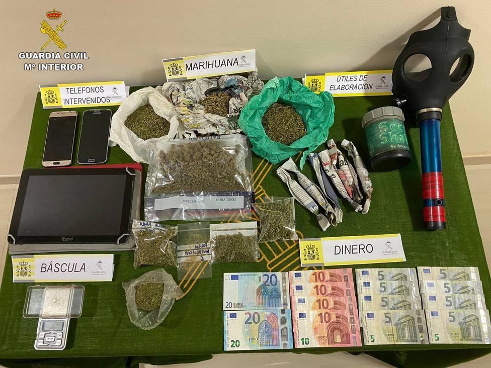 Detenido un varón tras desmantelar un punto de venta de drogas junto a un colegio de Pozoblanco