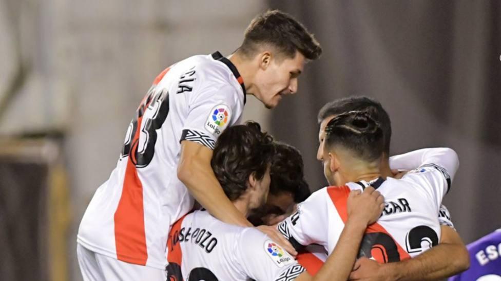 Posible alineación indebida del Alcorcón; la Ponfe líder; el Oviedo salva un punto: el Rayo golea al Málaga