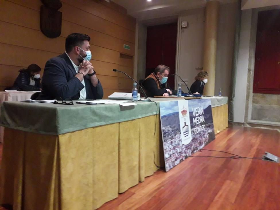 El pleno se celebró en la Casa de la Cultura de Verín