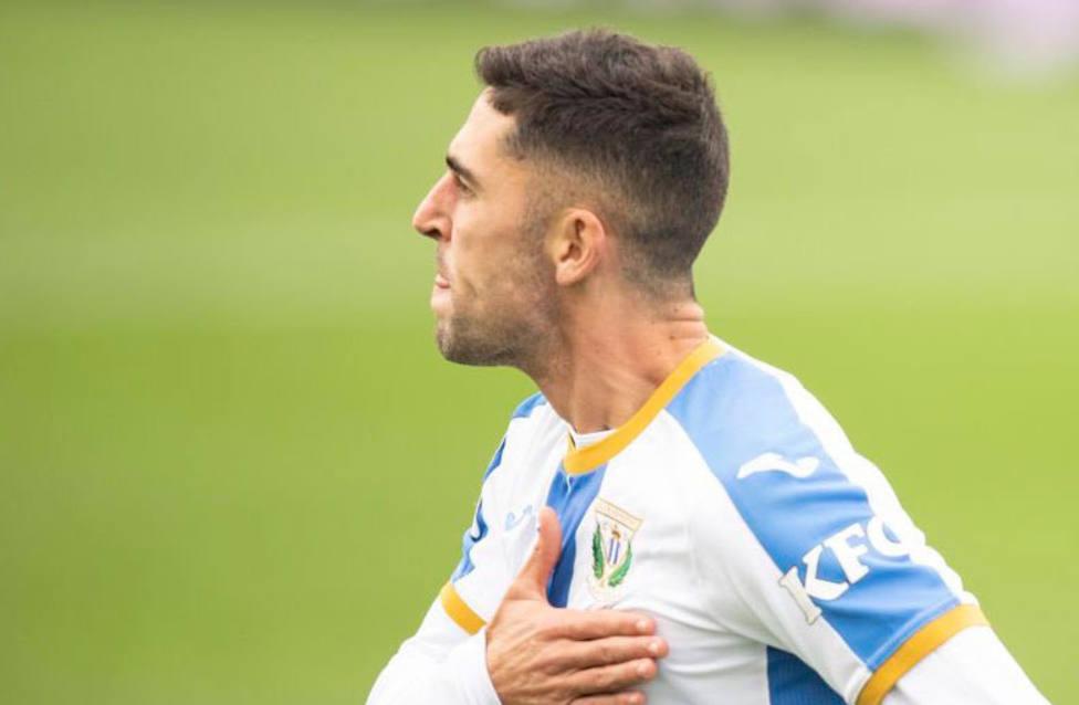 Sabin Merino celebra el gol al Alcorcón (LaLiga)