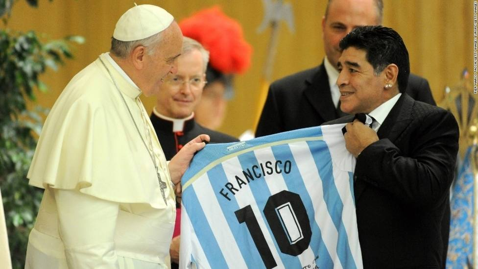 Papa Francisco y Maradona