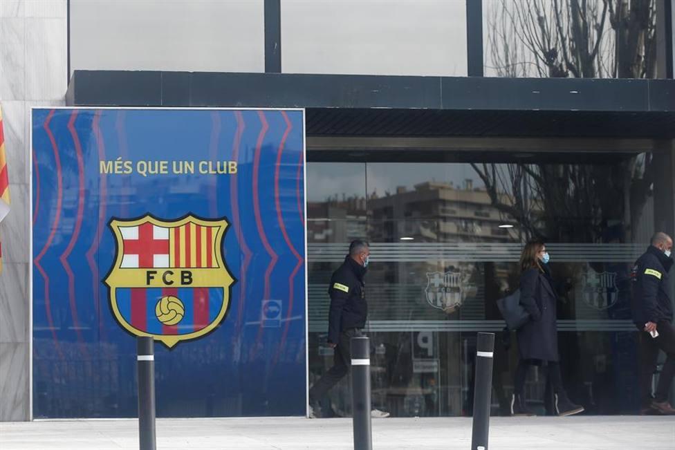Los Mossos registran las oficinas del Barcelona