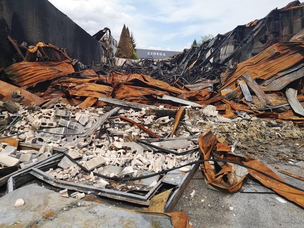 La Policía Científica investiga las causas exactas del incendio de O Ceao