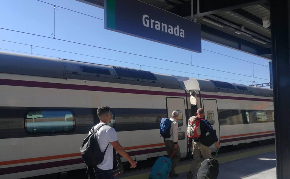 Granada.- Renfe incorpora dos trenes más a la relación Avant Granada-Sevilla a partir del 31 de mayo