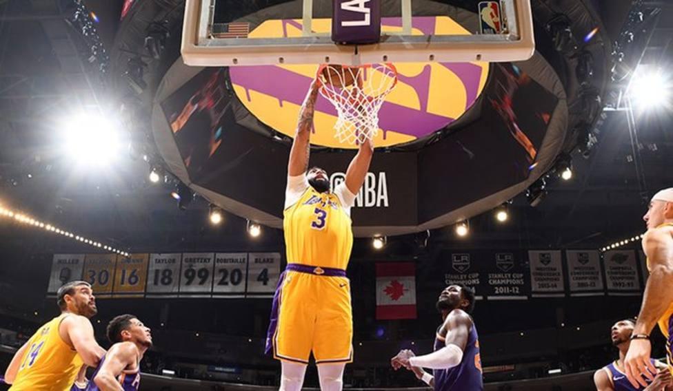 Los Lakers toman ventaja con un buen Davis