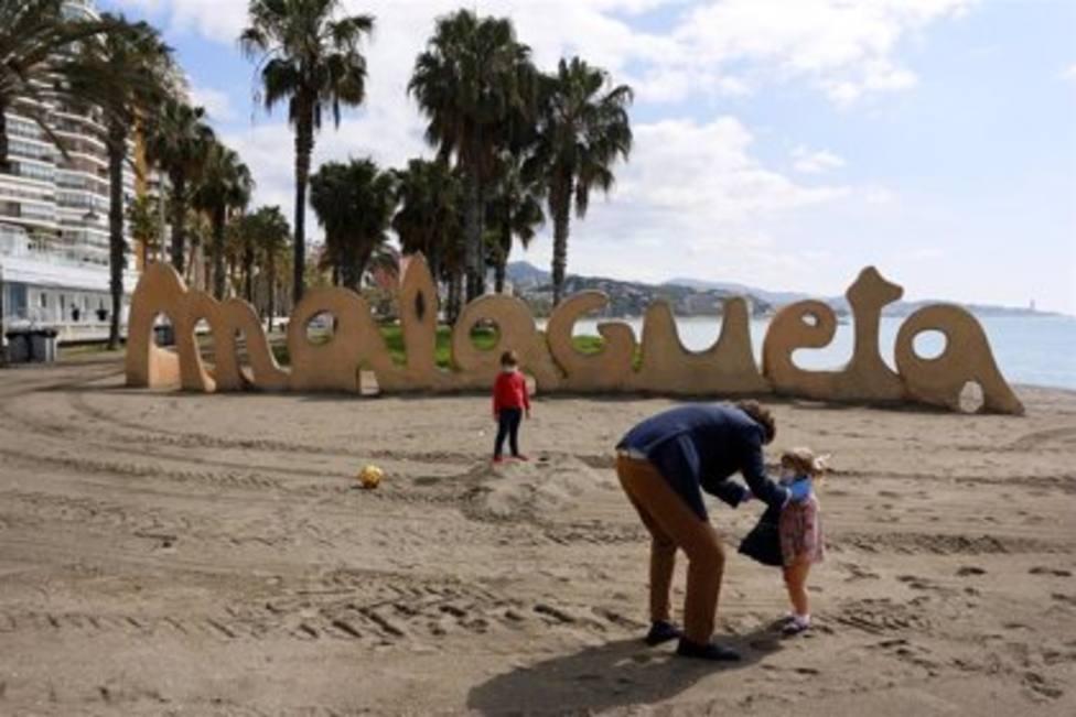 El Ayuntamiento de Málaga cierra sus playas en la Noche de San Juan