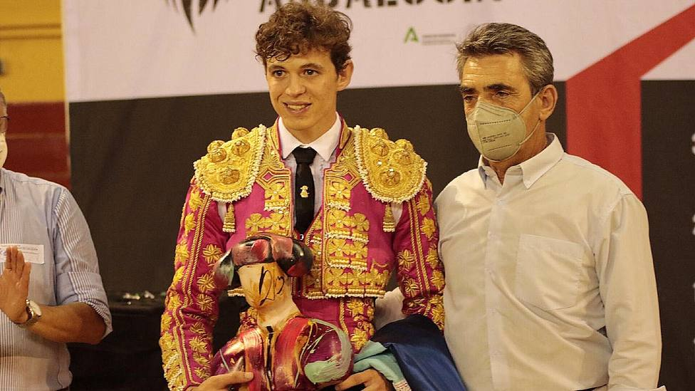 Jorge Martínez, triunfador del Circuito de Andalucía, junto a Victorino Martín
