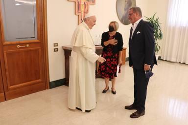 Papa Francisco, Carlos Herrera y Eva Fernández, corresponsal de COPE en el Vaticano