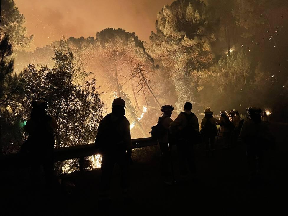 Una impactante imagen del incedio producido en Sierra Bermeja.