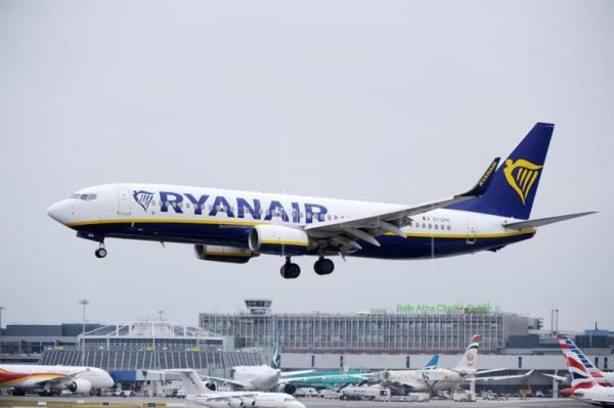 ¿Cuánto tengo que pagar a partir de ahora por mi maleta de mano si viajo con Ryanair?