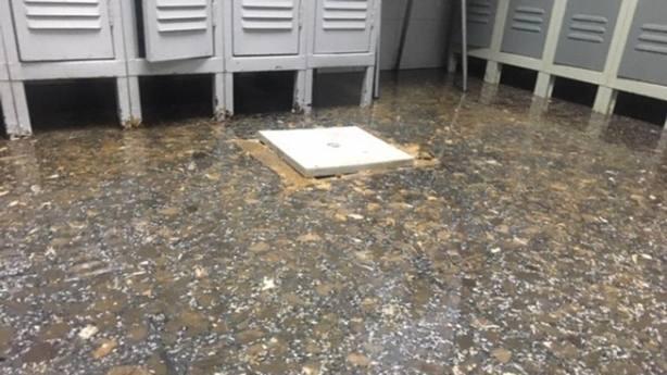 Arqueta donde se han localizado los atascos en las cañerias del centro de salud. CSIF