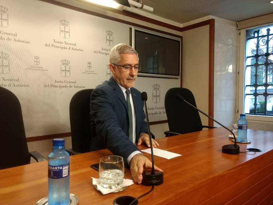 La dirección de IU decidirá hoy el futuro de Llamazares tras constatar que ha incumplido gravemente los estatutos