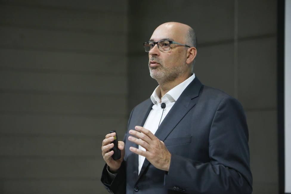 Gayo (Telefónica) dice que la explosión tecnológica provocara el paso de la conectividad a la hiperactividad