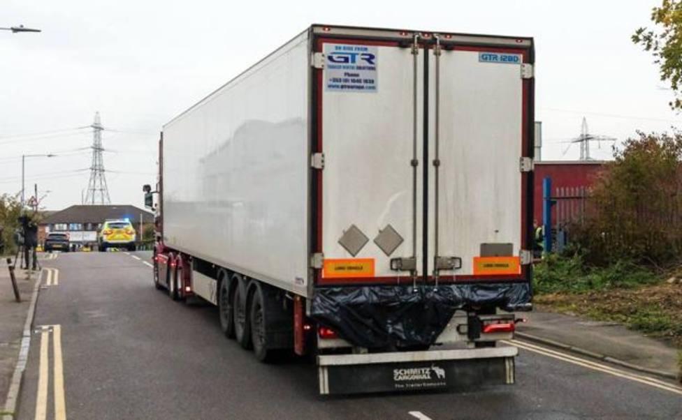 Detenido un hombre por conducir un camión con 15 personas en su interior en el sur de Reino Unido