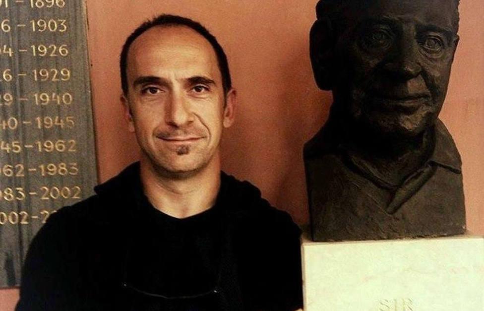 """El doctor en sociología J. Andrés Dguez. """"Los ciudadanos están demostrando su ejemplaridad en la crisis"""