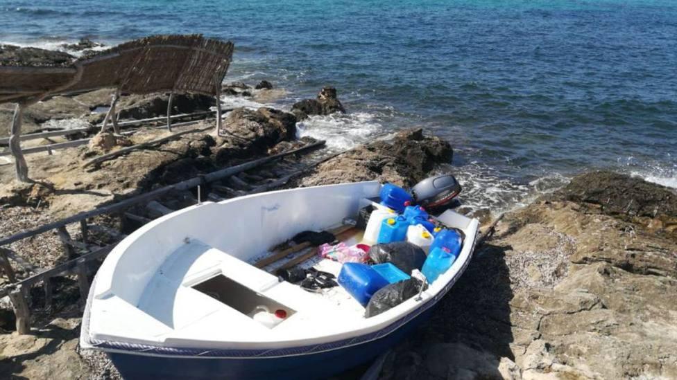 Positivo en coronavirus uno de los siete migrantes llegados en patera a Formentera