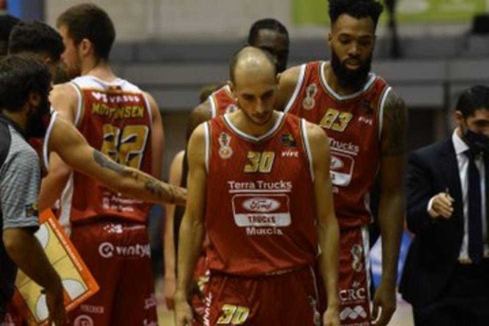 Real Murcia Baloncesto opone poca resistencia a Tau Castelló en el debut (58-86)