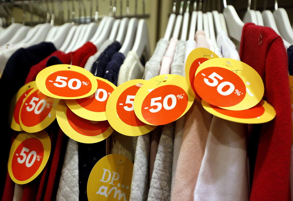 El 70% de los españoles no comprará nada en el Black Friday, según el último informe de la OCU