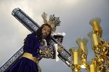 La Cofradía El Rico de Málaga libera este Miércoles Santo a tres presos en un hecho histórico