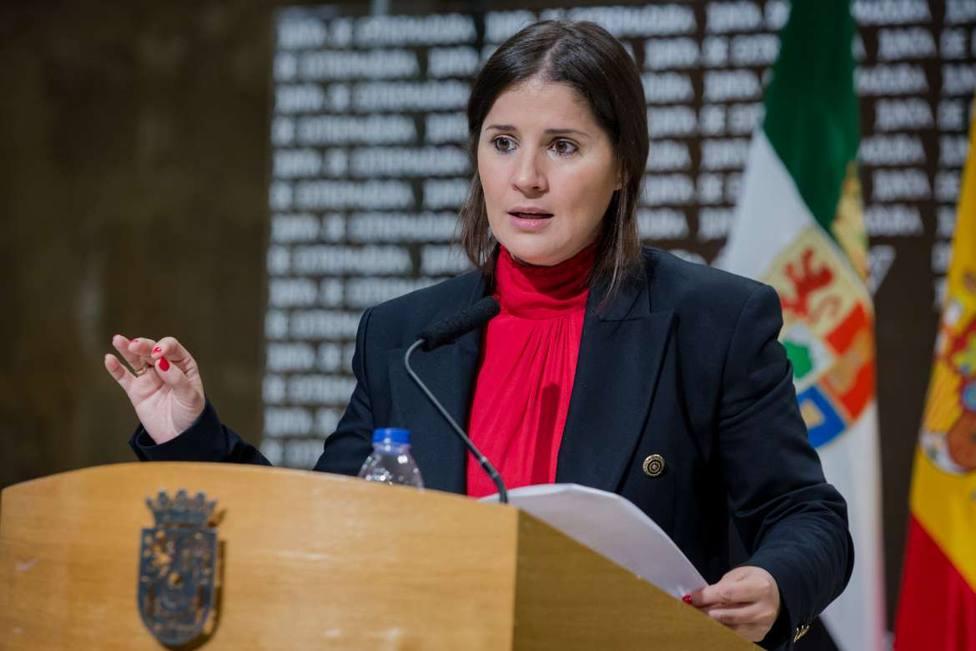 Isabel Gil Rosiña, portavoz del Gobierno de Extremadura, en rueda de prensa
