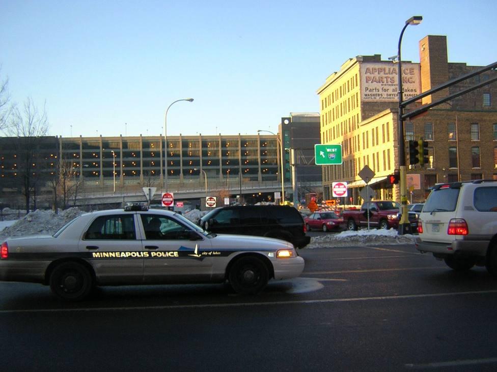 Dos muertos y ocho heridos en un tiroteo en el centro de Mineápolis