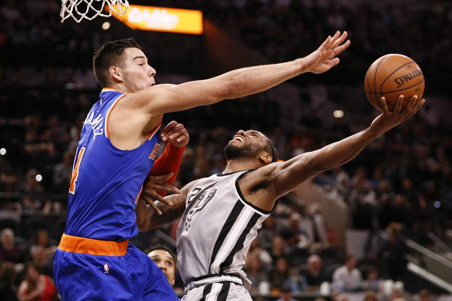 NBA: New York Knicks at San Antonio Spurs