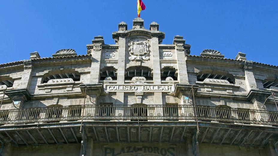 Fachada prinicipal de la plaza de toros de Palma de Mallorca