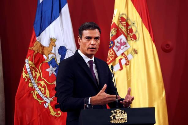 Sánchez llega a Chile, punto de partida de su primera visita a Latinoamérica