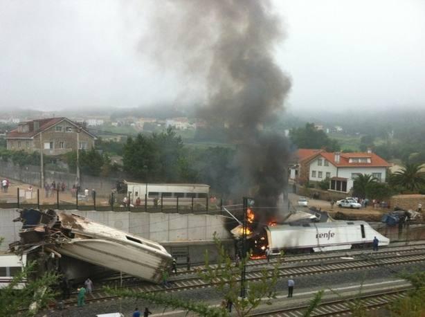 Bruselas detecta deficiencias en el análisis de riesgos ferroviario cinco años después de Angrois, donde no se hizo