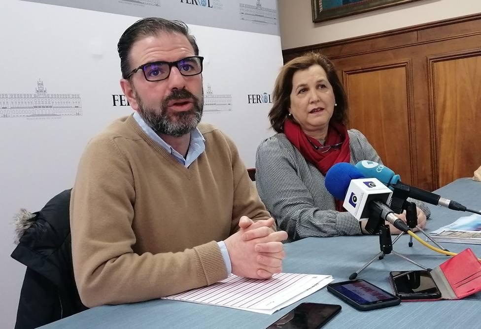 Ángel Mato, alcalde de Ferrol, con la concejala de Hacienda, Maite Deus